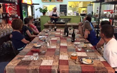 """You Can't Fly on Just One Wing – Cooking Demo at Frali Gourmet"" by beduwen"